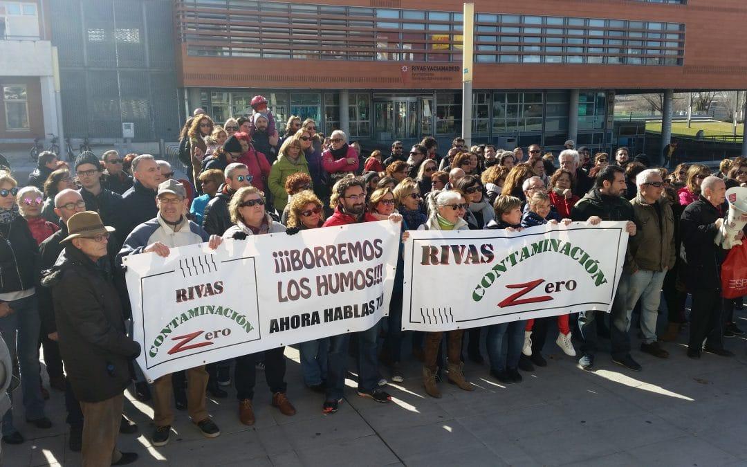 Cientos de ripenses protestan contra los humos