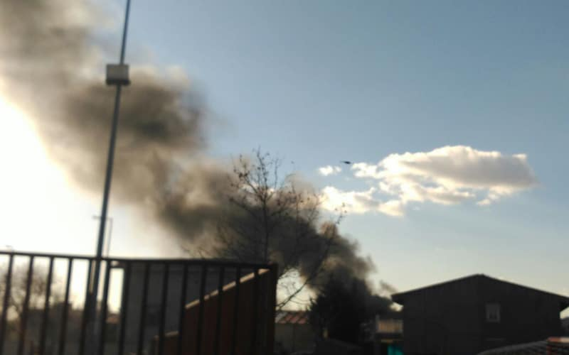 Incendio en el vertedero ilegal situado tras la Casa de Asociaciones