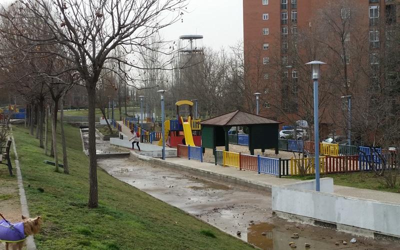 Rivas tendrá dos nuevas áreas de juegos infantiles con columpios inclusivos, ambas en el barrio Oeste