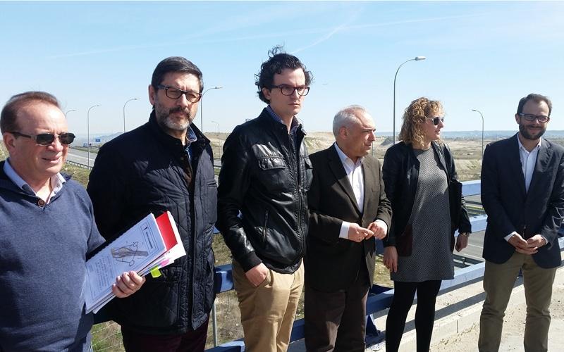 Juan Ignacio Gómez, Eduardo Montalvillo, Rodrigo Parra, Rafael Simancas, Carlota Merchán y Daniel Viondi, en la visita a Rivas