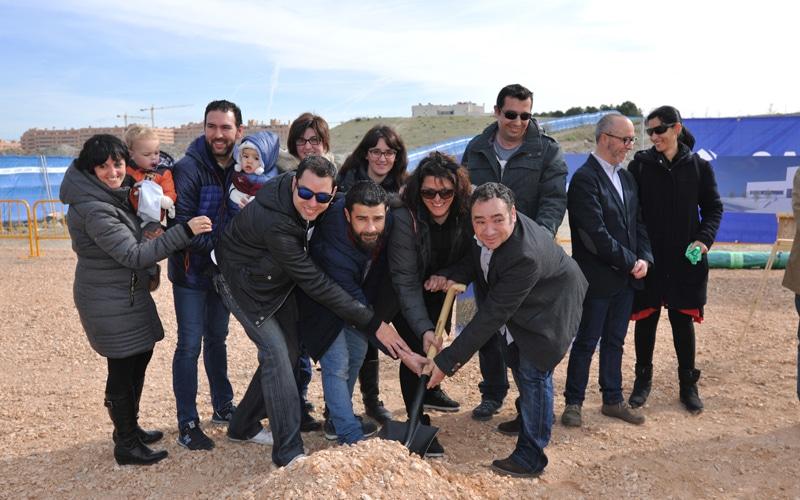 Acto de colocación de 'primera piedra' simbólica del colegio La Luna