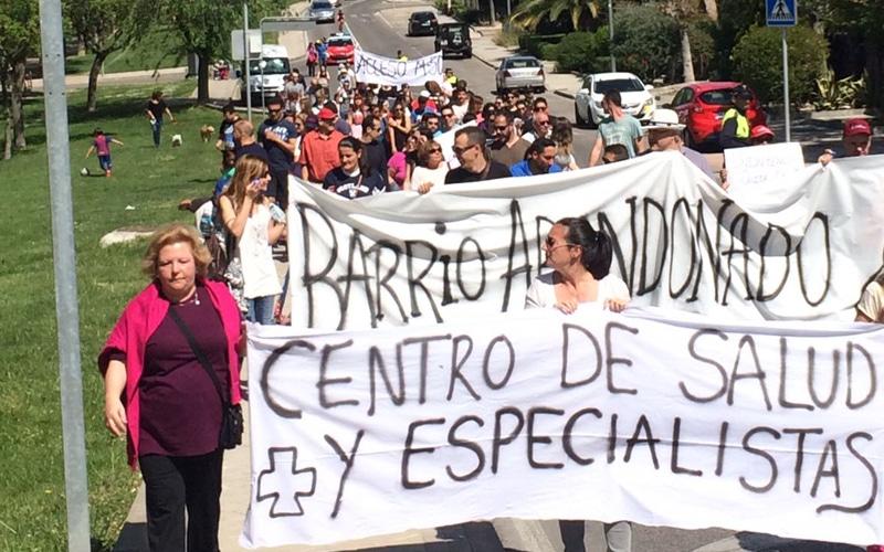 Manifestación de vecinos del Barrio de la Luna
