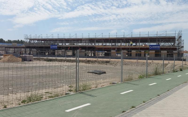 """El colegio La Luna abrirá tres aulas de 3 años en septiembre, una oferta """"insuficiente"""" para familias y Ayuntamiento"""