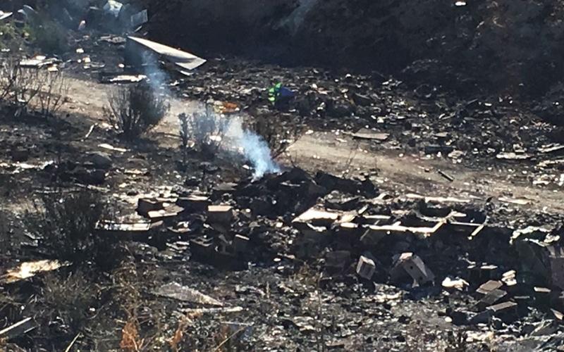 Restos del incendio en el Sector 4 de la Cañada Real