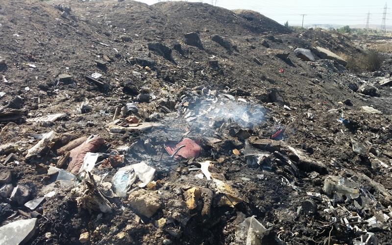 VÍDEO: Los rescoldos de los incendios junto a la M-823