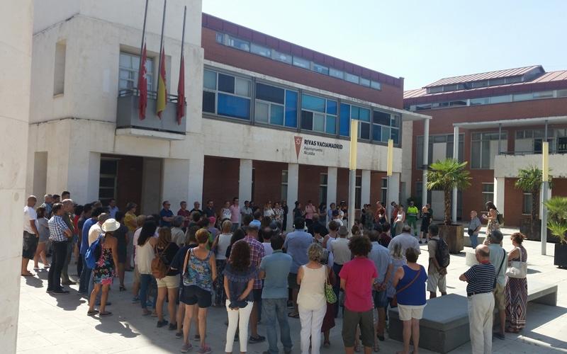 Minuto de silencio en memoria de las víctimas de los atentados terroristas de Barcelona y Cambrils