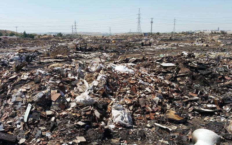 Zona quemada de vertidos ilegales junto a la M-823