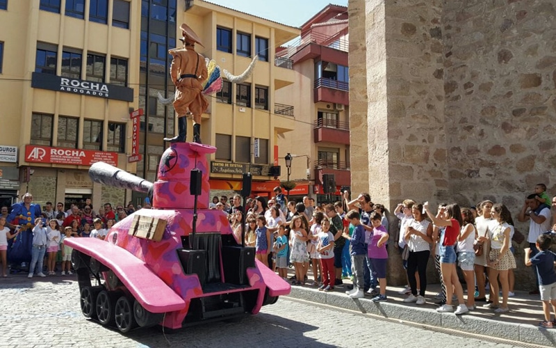 Espectáculos, danza, arte urbano y encuentros al aire libre: arranca el Festival de Cultura en la Calle