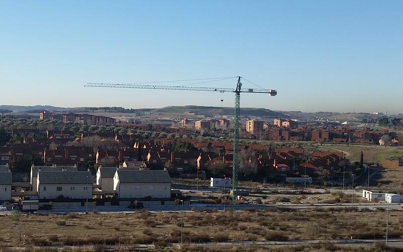 El Ayuntamiento de Rivas ofrece empleo temporal para 15 albañiles y un técnico en telecomunicaciones en paro