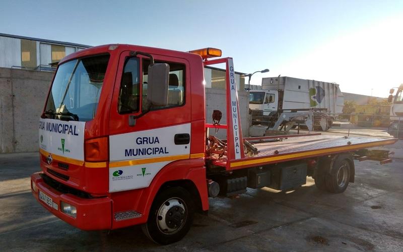 Vehículo de la grúa municipal de Rivas Vaciamadrid (Fuente: Rivamadrid)