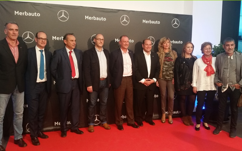 Políticos y empresarios asistieron a la fiesta de presentación de las nuevas instalaciones de Merbauto en Rivas