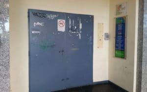 Entrada del Centro de Recursos Juveniles Che Guevara, actualmente cerrado
