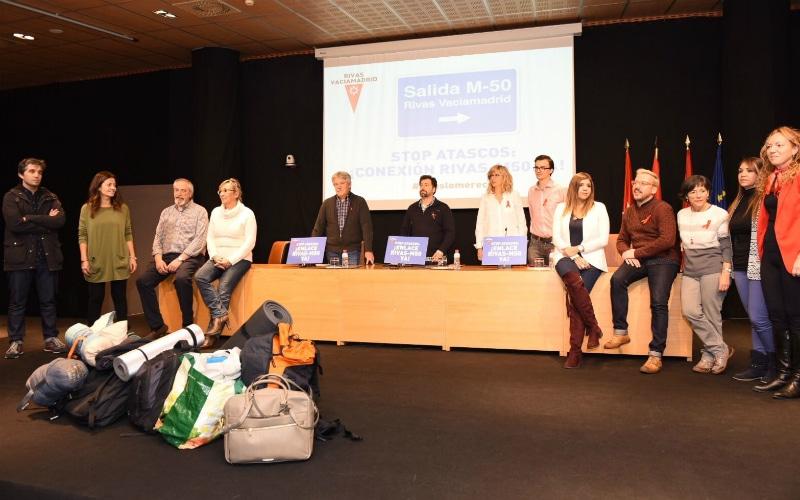 La M-50 lleva al Gobierno y al PSOE a compartir 'saco' por una noche