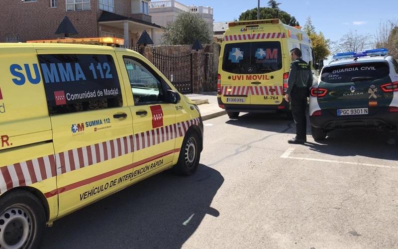 Herida muy grave una niña de dos años tras caer en una piscina en la calle Rododendro de Rivas
