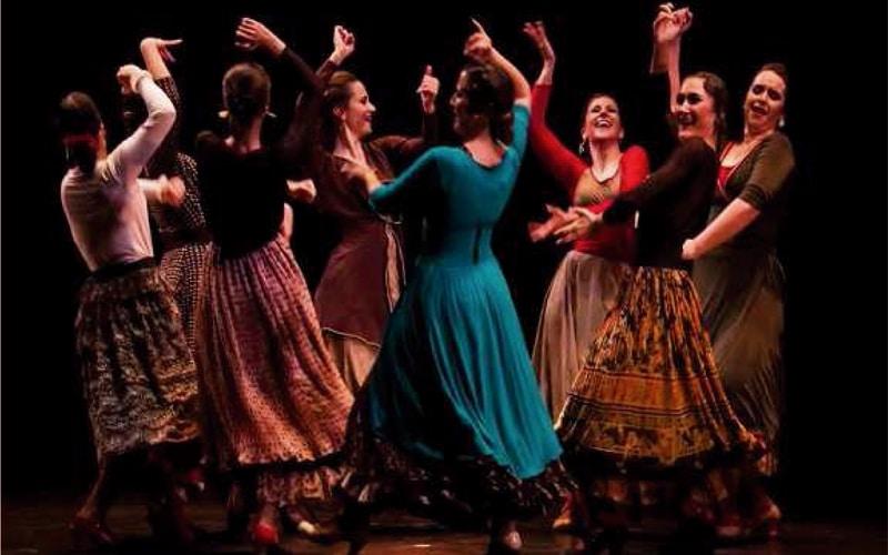Danza: 'Tela, catola… danza española'