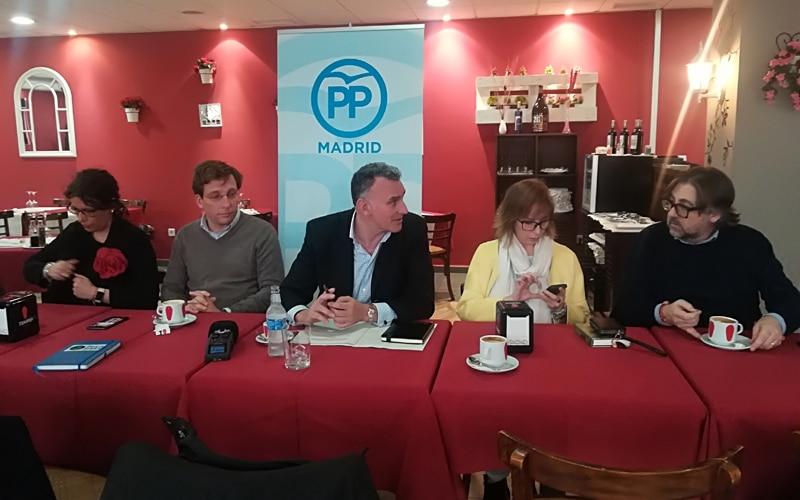 Inés Berrio, José Luis Martínez Almeida, José Riber, Gemma Mendoza y Pablo Rodríguez Sardinero, tras la visita a Ecohispánica