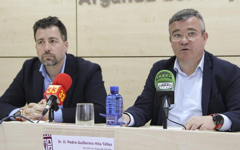 Pedro del Cura, alcalde de Rivas Vaciamadrid, y Guillermo Hita, alcalde de Arganda del Rey