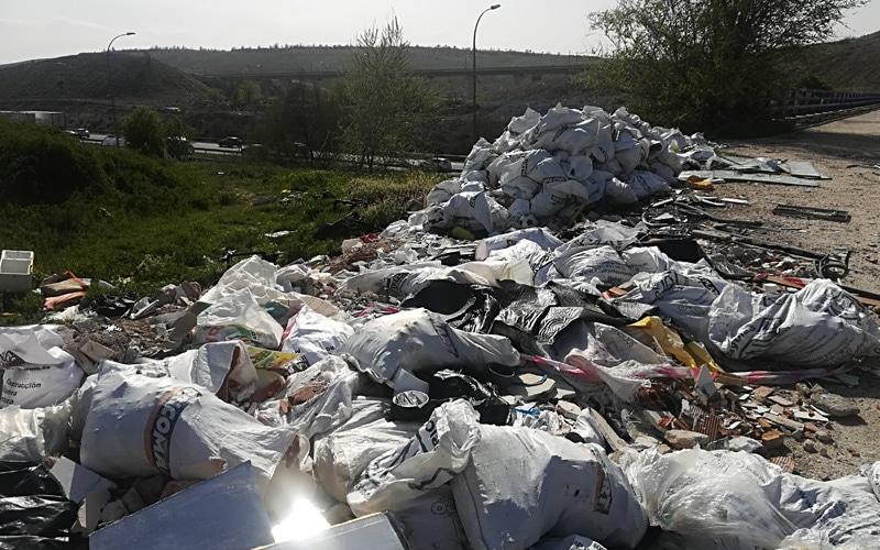 Vertidos ilegales en el entorno de Rivas
