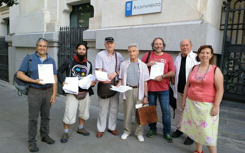 Entrega de firmas por el cierre de la incineradora de Valdemingómez