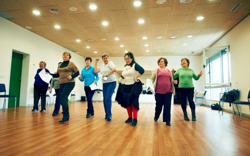 Una clase de baile para personas mayores. Imagen facilitada por el Ayuntamiento.