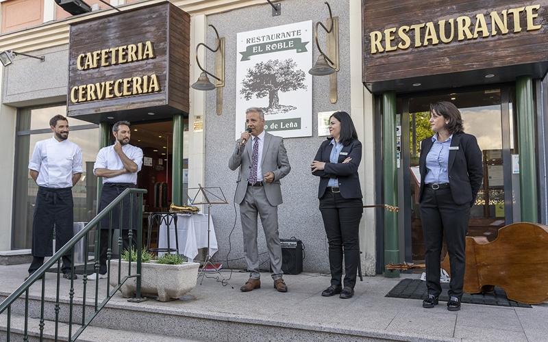 Inauguración de la terraza del Restaurante Asador El Roble
