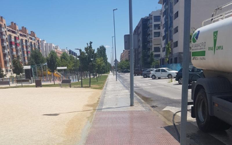 Rivamadrid se refuerza en verano para mantener las calles en perfecto estado