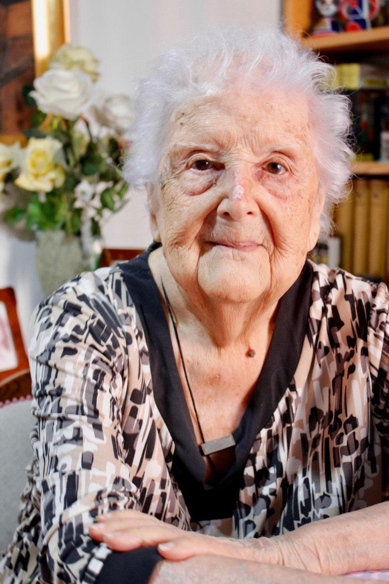 Nieve Cobos, una de los cinco centagenarios que viven en Rivas.