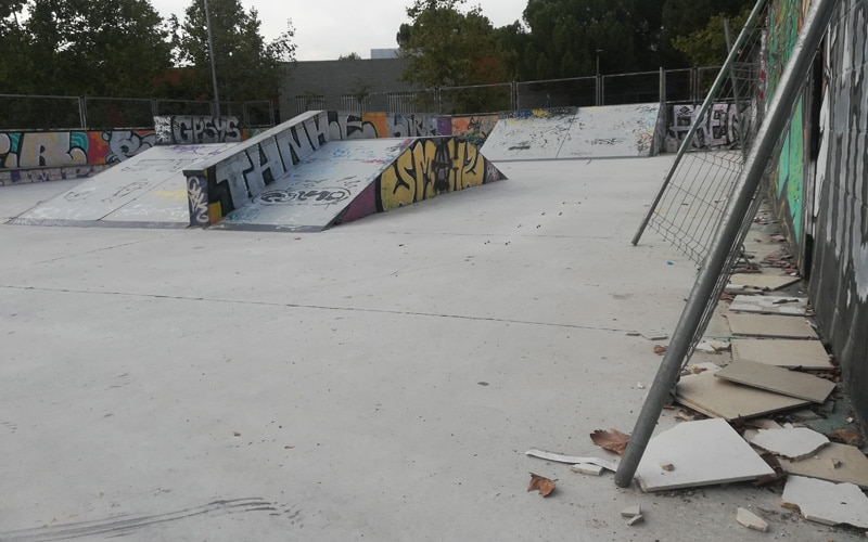 Los últimos días del 'viejo' 'skate park' del Parque de Asturias