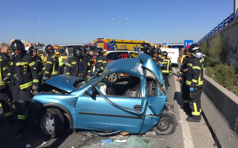 Una mujer y sus dos hijos, graves tras sufrir un accidente en la A-3