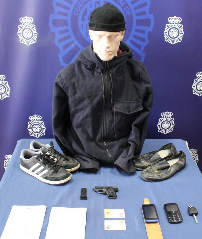 La Policía Nacional detiene a dos presuntos atracadores en Rivas