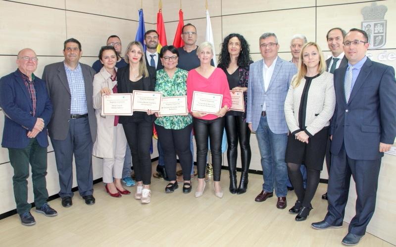 """Premiados en el VI Certamen de Iniciativas Empresariales """"Arganda Emprende"""". Foto: Ayuntamiento de Arganda."""