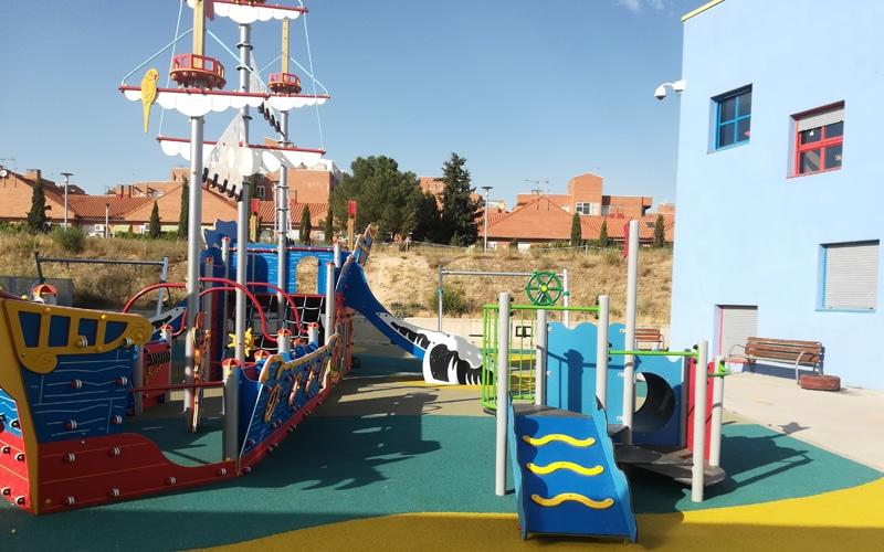 Columpios singulares e inclusivos en el Centro de Infancia Bhima Sangha de Rivas