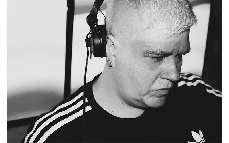 Belén Zer DJ música electrónica Semana del Orgullo