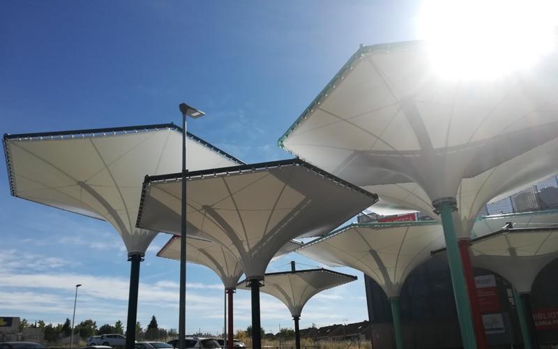El Ayuntamiento de Rivas invierte 258.407 euros en sombrear tres espacios públicos