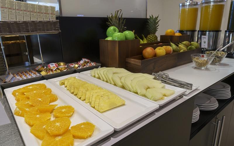 fruta desayuno buffet Hotel AB Rivas