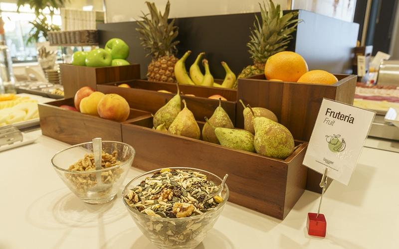 fruta muesli desayuno buffet hotel ab rivas