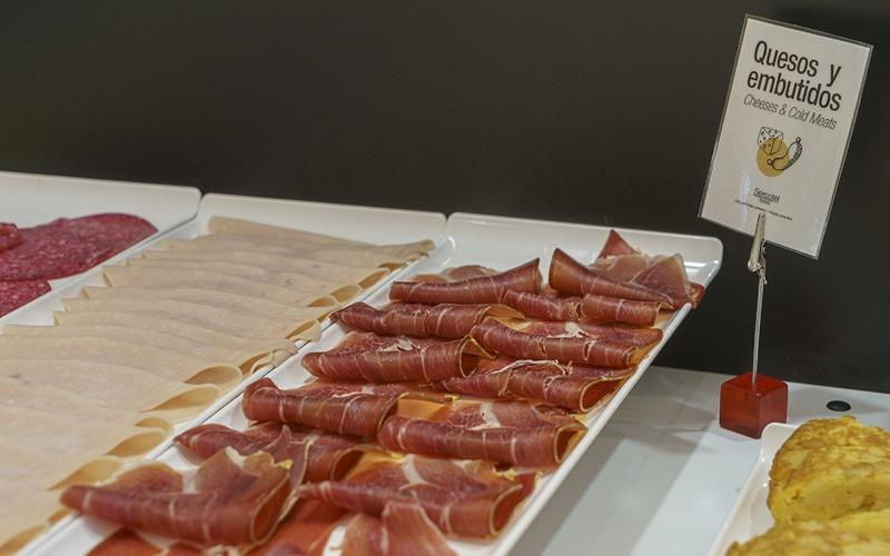 quesos embutidos desayuno buffet hotel ab rivas