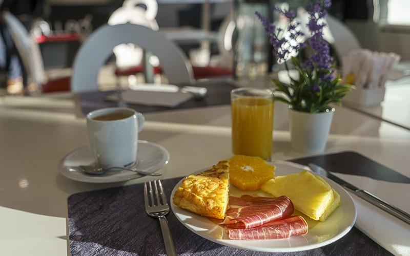 restaurante somallao desayuno buffet rivas