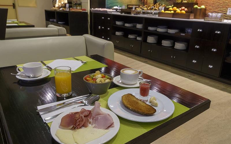 hotel ab arganda desayuno buffet