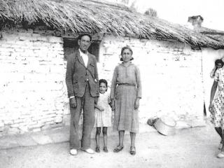 El jefe de la estación de Rivas, con su familia