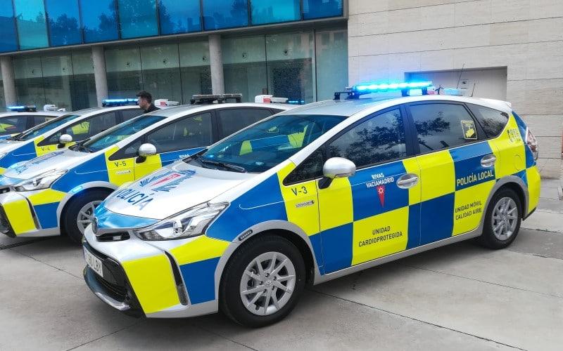 Nuevos coches, nuevos uniformes y un dron para la Policía Local de Rivas