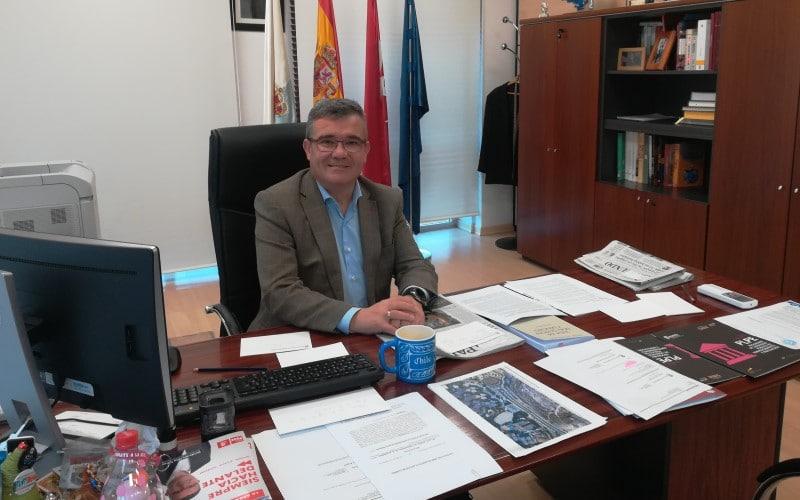 Guillermo Hita, alcalde de Arganda: «La Comunidad de Madrid debe resolver el conflicto de los residuos»