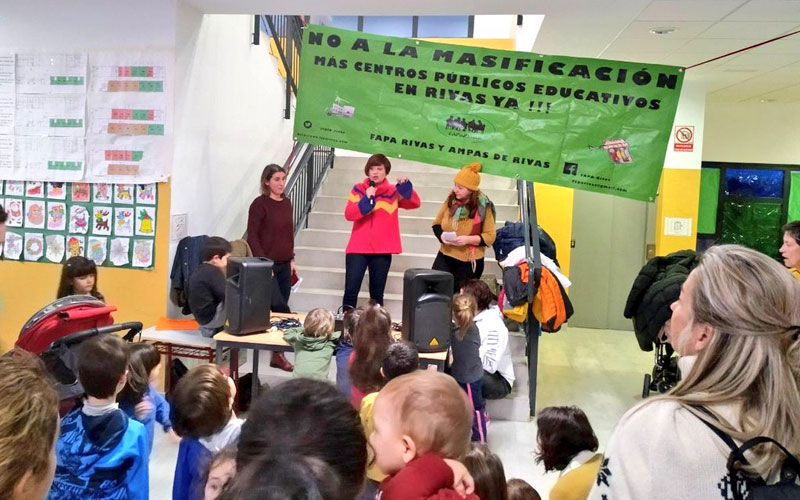 Movilización educativa en el CEIPSO 'La Luna' contra la emergencia educativa