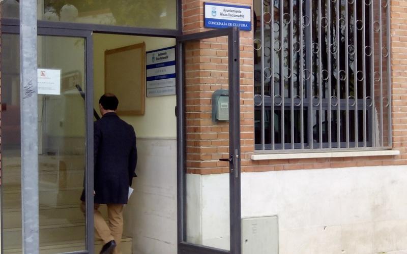 La Iglesia cede a Rivas una parcela para instalar un ascensor hasta la biblioteca del Casco