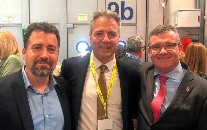 Paul García, director del Sercotel AB Arganda y Sercotel AB Rivas, con los alcaldes de Rivas Vaciamadrid, Pedro del Cura, y Arganda del Rey, Guillermo Hita