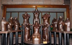 Esculturas realizadas con metralla (foto: Ayuntamiento de Morata de Tajuña)
