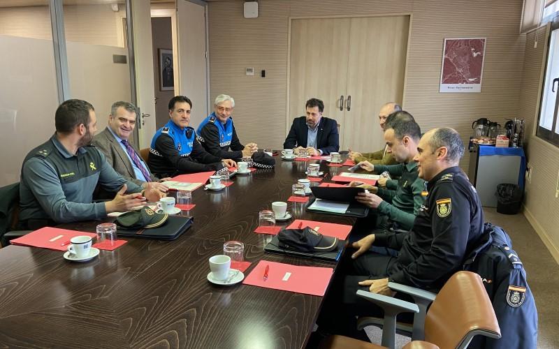 Cerco a los 'okupas', terreno para una comisaría de Policía Nacional y datos de criminalidad: estos son los asuntos abordados en la Junta Local de Seguridad de Rivas