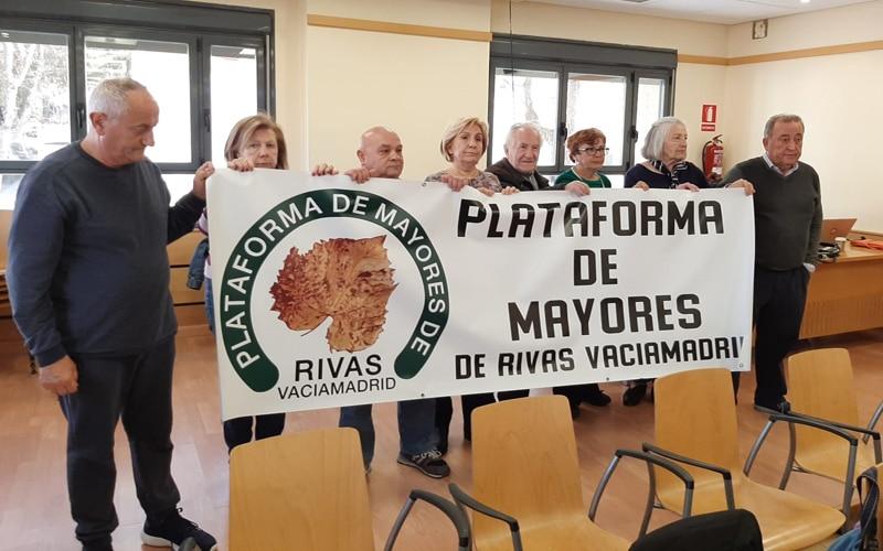 Los mayores de Rivas exigen la contratación urgente de conserjes en los centros municipales