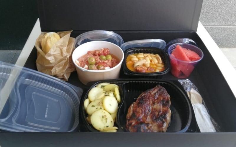 Olvídate de cocinar: Somallao y El Roble te preparan sus menús, carta y encargos para llevar