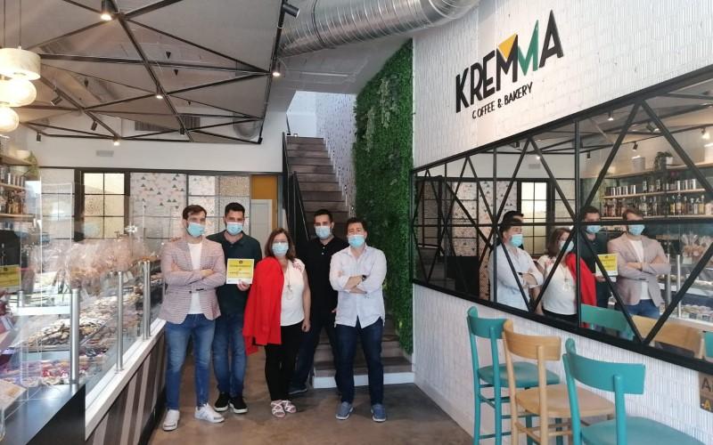 La cafetería Kremma recibe el sello 'Establecimiento de confianza' en Rivas